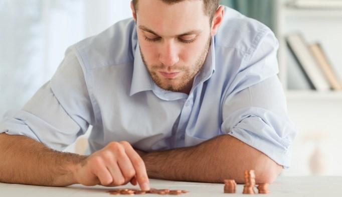 Income Tied to Bone Mineral Density in Men