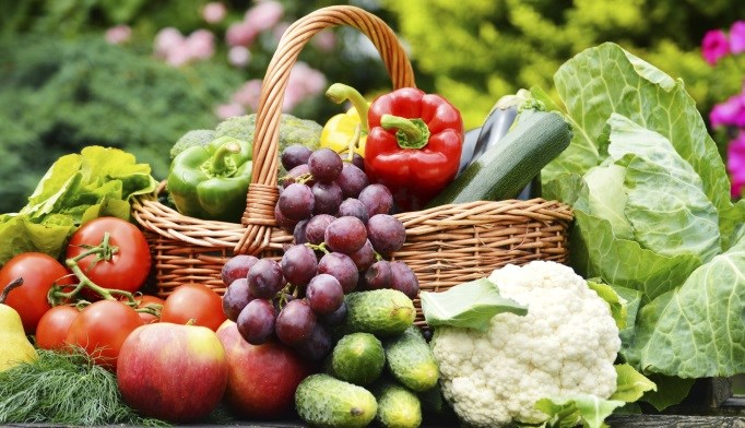 Too few Americans are eating the recommended amount of fruits and vegetables.