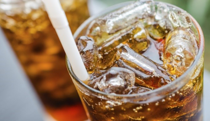The risk of end-stage renal disease was 83% higher for those who drank more than 7 glasses of diet soft drinks weekly.