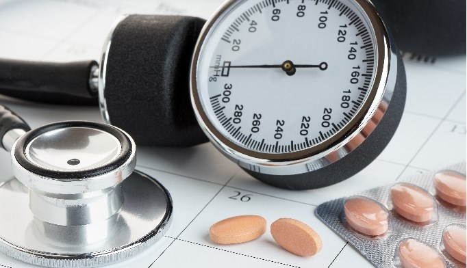 Ultra-low-dose combination therapy for hypertension has been found to significantly reduce blood pressure with few adverse side effects.