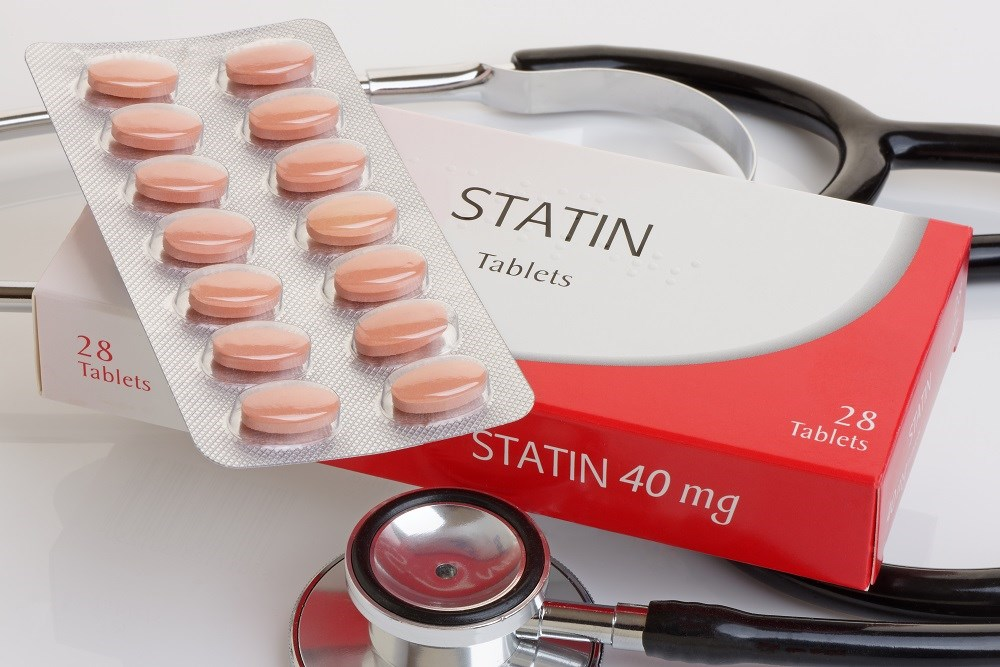 Statin Treatment Beneficial for High-Risk Patients Despite Adverse Reactions