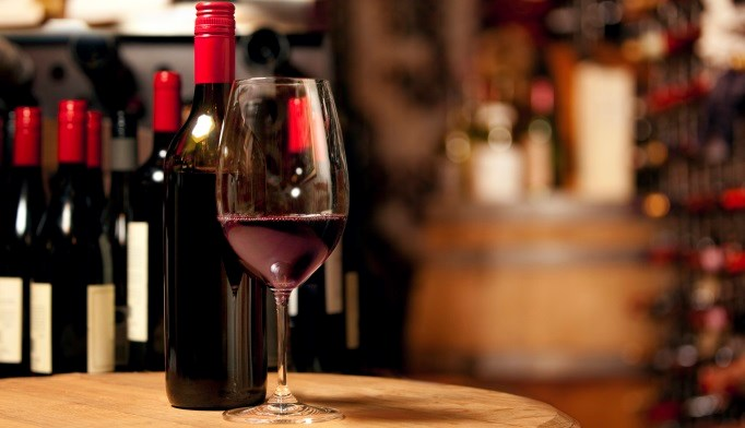 Moderate consumption of red wine appeared to decrease cardiometabolic risks in diabetes.
