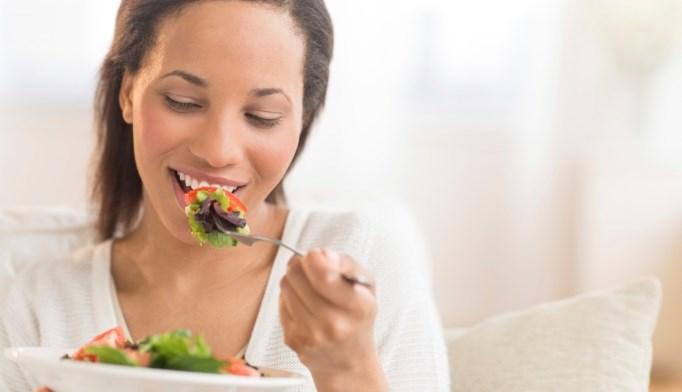 Minority Women Benefit Most From Healthy Diet