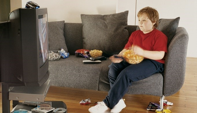 Just 1 Hour of TV Daily May Boost Risk for Childhood Obesity