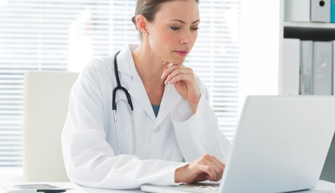 Physicians Discuss Benefits, Drawbacks of Electronic Health Records