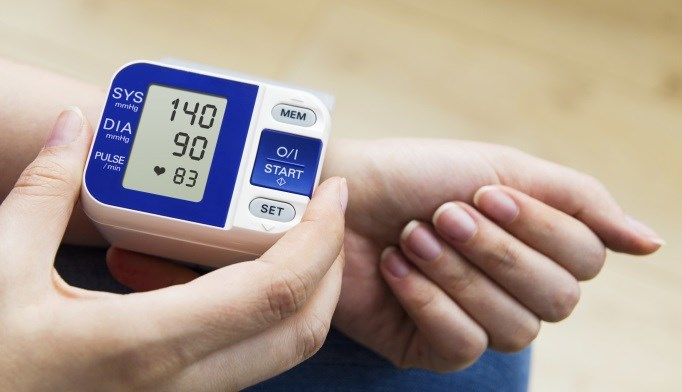 Higher nighttime systolic blood pressure is associated with albuminuria.