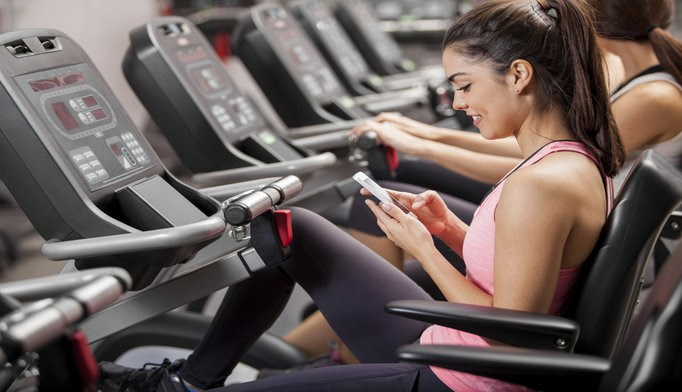 Smartphone apps may be effective for helping patients eat better and exercise more.