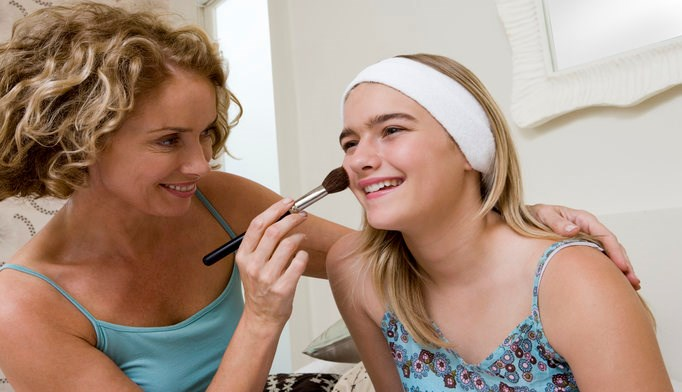 Chemical Exposure Decreased Among Teens After Change in Cosmetics