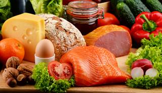 Long-term adherence to a healthy diet benefits weight control in those with high genetic risk for obesity.