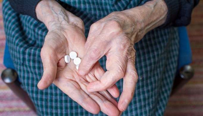 Elderly women should not be treated with high-dose statins.