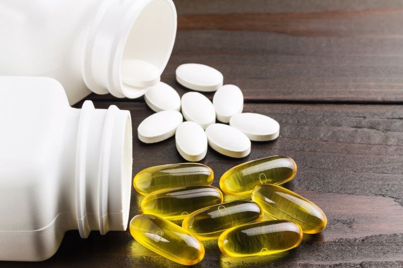 Calcium, Vitamin D Supplements Do Not Reduce Fracture Risk in Older Adults