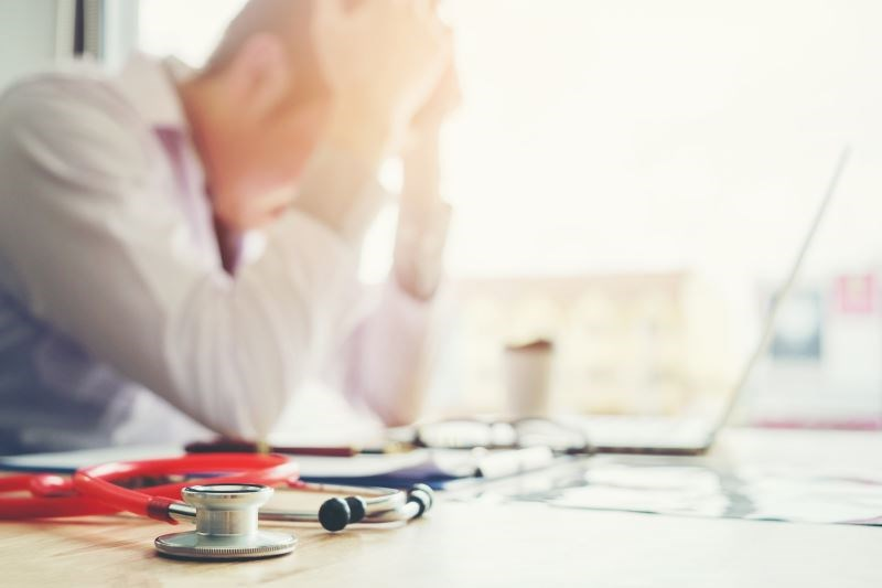 Expert Reflects on the Crisis of Physician Suicides