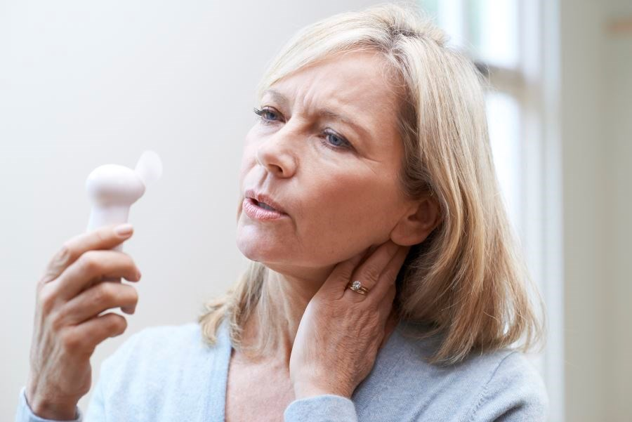 Women with previous history of pregnancy complications were at higher risk for hot flashes during menopause compared with nulliparous women or women without a history of pregnancy complications.