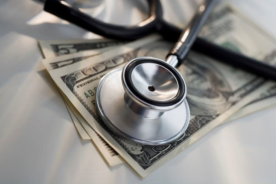 Majority of Internists Still Have Financial Ties to Industry