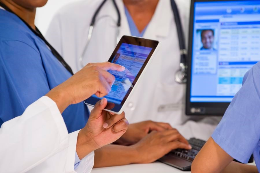 Researchers discussed ways in which EHRs can improve doctor-patient communication.