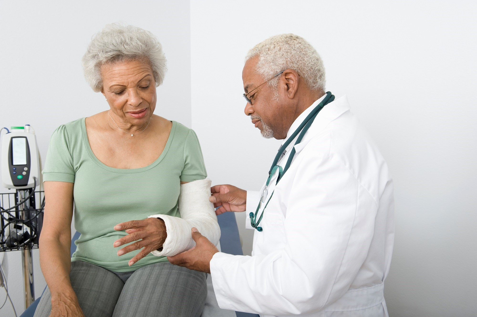 Bone Indices on CT Scan Predict Fracture Risk in Older Adults